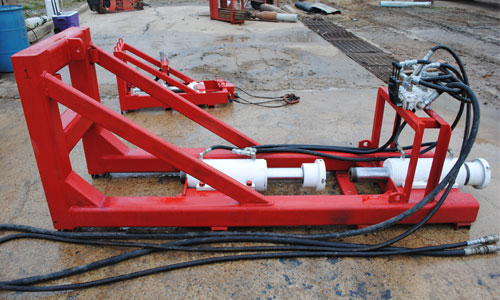 Trenchless pipe bursting machine and pipe bursting equipment from Innovative Trenchless Systems